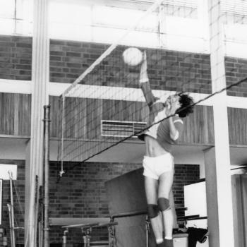 Abb. 13 : Volleyball 1975 – Schmetterschlag